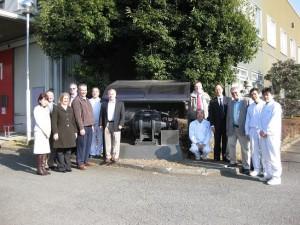 静岡県の永倉精麦(株)訪問 70年前に旧精麦工場内で活躍していた100馬力モーターの前で記念撮影