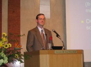 サウスダコタ州立大学酪農学部 准教授 Dr. Kent Kalscheur