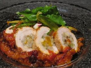 大麦と野菜の鶏むね インボルティーニ (980円)