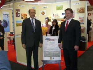 ルース駐日米国大使とリック・フルース会長